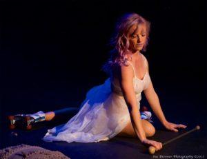 remember (Premiere) Choreography: Zaquia Mahler Salinas in collaboration with Sarah Larson Performer: Sarah Larson